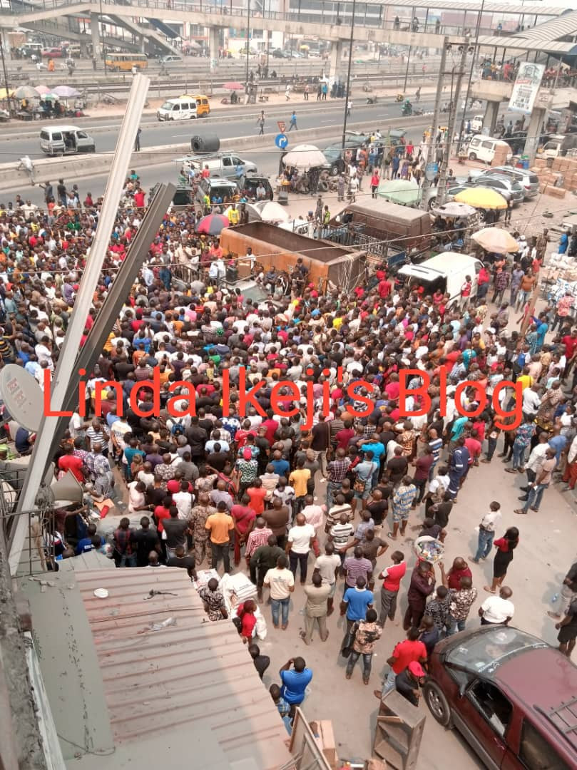 Igbo traders protest against paying Iya Loja at Odunade market in Lagos (Photos/Video)